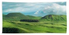 Green Hills On The Big Island Of Hawaii Beach Sheet by Larry Marshall