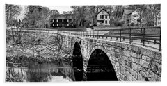 Green Street Bridge In Black And White Beach Towel