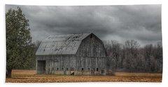 0024 - Grey Barn And Tree Beach Towel