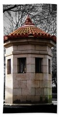 Guardhouse In Prospect Park Brooklyn Ny Beach Sheet by Iowan Stone-Flowers