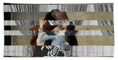 Hayes's The Kiss And Vivien Leigh With Clark Gable Beach Sheet by Luigi Tarini