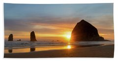 Haystack Rock At Cannon Beach During Sunset Beach Towel