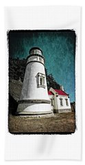 Beach Towel featuring the photograph Hecitia Head Lighthouse by Jeffrey Jensen