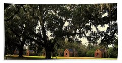 Historic Slave Houses At Boone Hall Plantation In Sc Beach Sheet