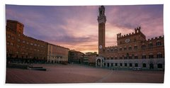 Beach Towel featuring the photograph Il Campo Dawn Siena Italy by Joan Carroll