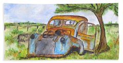 Junk Car And Tree Beach Sheet by Clyde J Kell