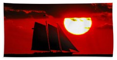 Key West Sunset Sail Silhouette Beach Sheet by Bob Slitzan