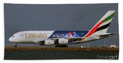 La Dodgers A380 Ready For Take-off At Sfo Beach Towel