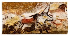 Lascaux Hall Of The Bulls Beach Towel