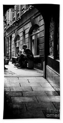 London Backstreet Alley Beach Sheet