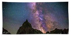 Lone Eagle Peak Dancing In The Milky Way Beach Towel