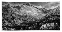 Longs Peak Rocky Mountain National Park Black And White Beach Towel