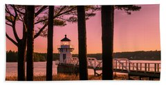 Maine Doubling Point Lighthouse At Sunset Panorama Beach Towel