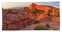 Mesa Arch Overlook At Dawn Beach Towel