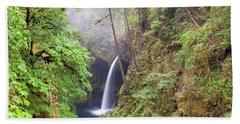 Metlako Falls In Columbia River Gorge Beach Towel