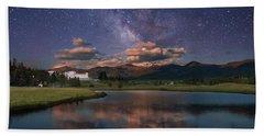 Milky Way Over The Omni Mount Washington Beach Towel