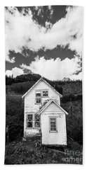 Mining Home In Silverton In Black And White Beach Towel