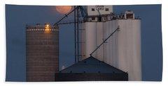 Moonrise At Laird -01 Beach Sheet