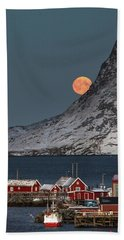 Moonrise In Reine Beach Sheet