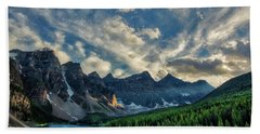 Moraine Lake Sunset - Golden Rays Beach Towel