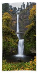 Multnomah Falls In Autumn Beach Sheet