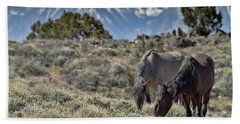 Mustangs In The Sierra Nevada Mountains Beach Towel