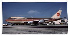 N17011, Continental Airlines, Boeing 747-143 Beach Sheet
