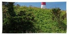 Nauset Lighthouse With Daisies Cape Cod Beach Towel