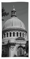Naval Academy Chapel - Black And White Beach Towel
