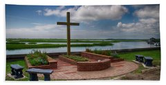 New Garden Cross At Belin Umc Beach Towel by Bill Barber