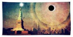 New York City Solar Eclipse 2017 II Beach Towel