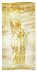 New York City Statue Of Liberty With American Banner - Golden Painting Beach Towel