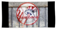 New York Yankees Top Hat Rustic 2 Beach Towel