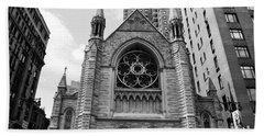 Nyc Holy Trinity Church - Black And White Beach Sheet