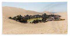 Oasis De Huacachina Beach Towel