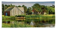 Old Barn In Kingsburg Beach Sheet