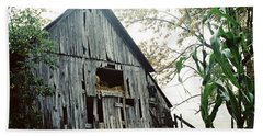 Old Barn In The Morning Mist Beach Towel