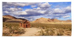 Beach Towel featuring the photograph Old Cabin At Rhyolite by James Eddy