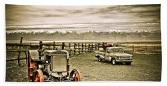 Old Case Tractor Beach Towel