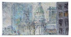 Old Courthouse From N 4th St. St.louis Beach Towel