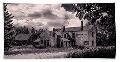 Old Farmhouse In Maine Beach Towel