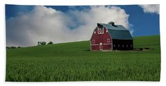 Old Red Barn In The Palouse Beach Sheet by James Hammond