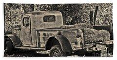 Old Truck Beach Sheet