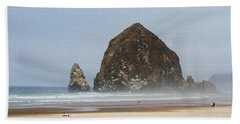 Oregon Rocks  Beach Sheet by Tom Janca