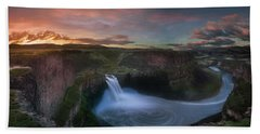 Beach Towel featuring the photograph Palouse Falls Sunrise by William Lee