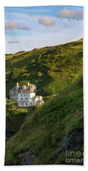 Beach Towel featuring the photograph Port Isaac Homes by Brian Jannsen