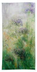 Queen Ann's Lace Beach Towel