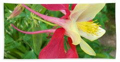Red Columbine Agape Gardens Beach Towel