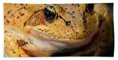 Red Leg Frog Beach Sheet by Jean Noren