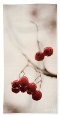 Rote Beeren - Red Berries Beach Sheet